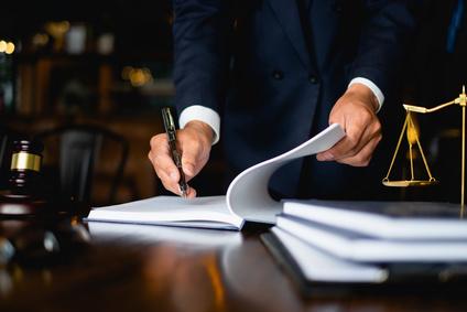 """מתי חשוב לפנות אל עורך דין נדל""""ן מסחרי"""